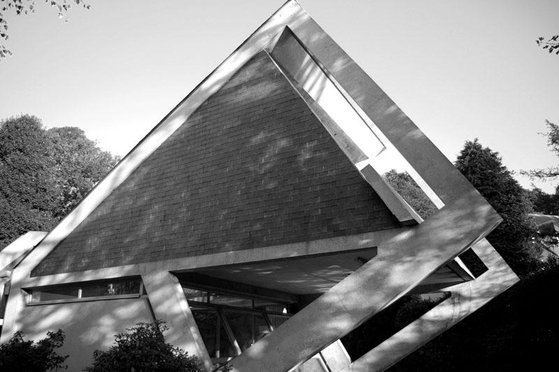 Classic architectures villa drusch by claude parent for Architecture oblique