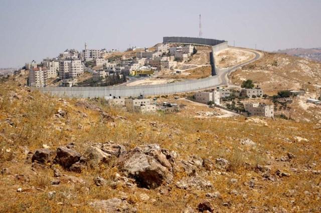 Wall in East Jerusalem - photo by Leopold Lambert (2019)