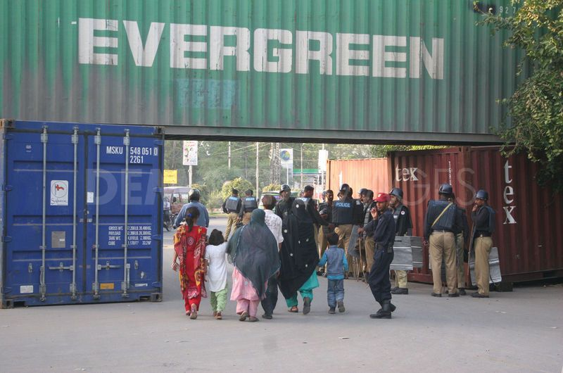 LahorePressClub_Women_2012