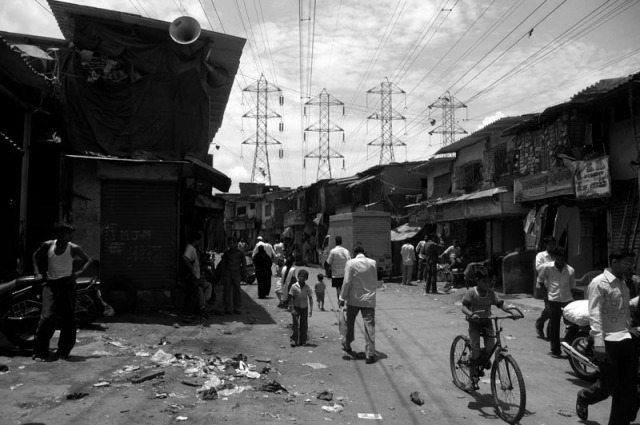 dharavi (2009) - photo by Leopold Lambert