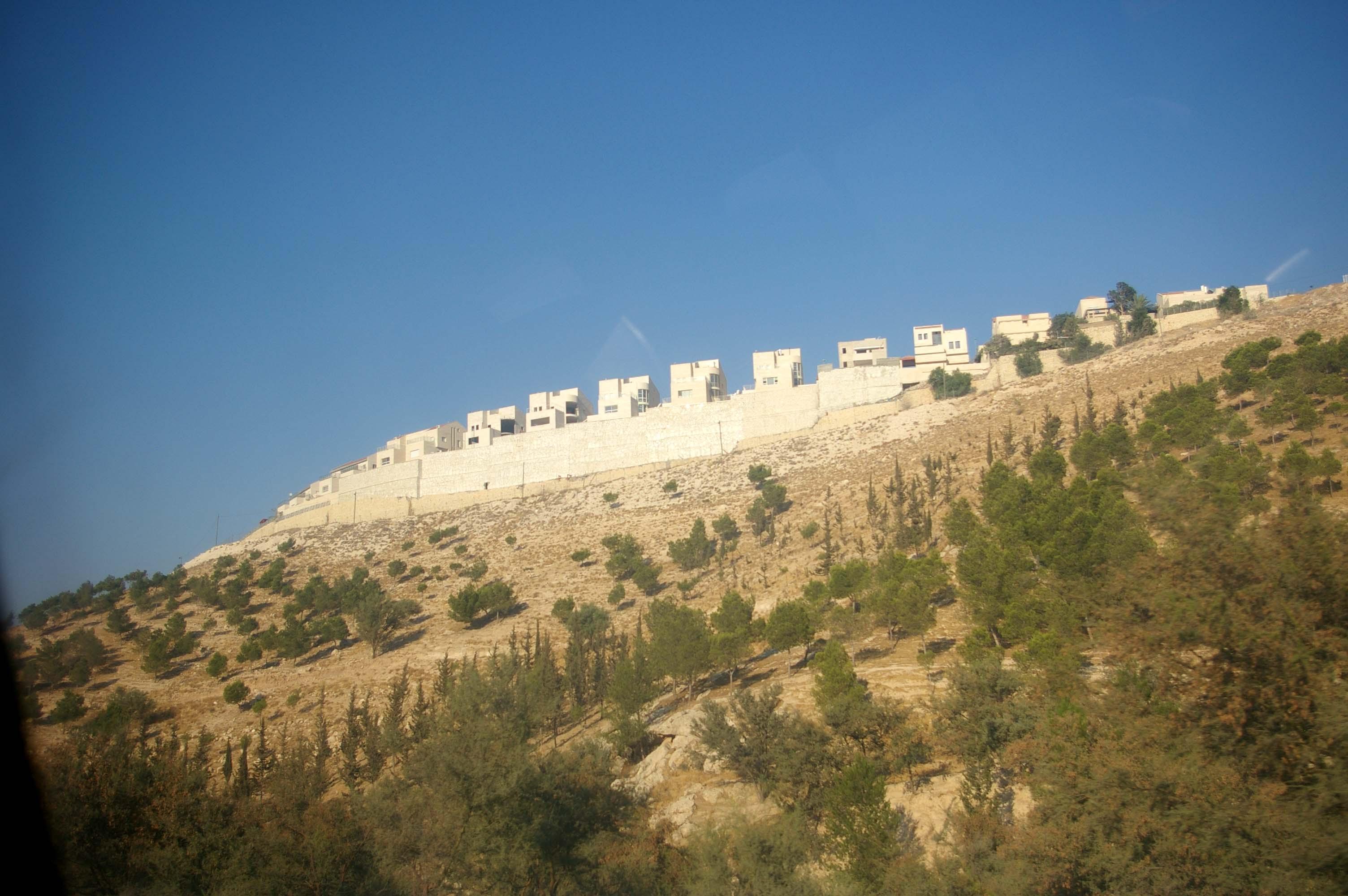 Ma'ale Adummim - photo by Leopold Lambert (3)