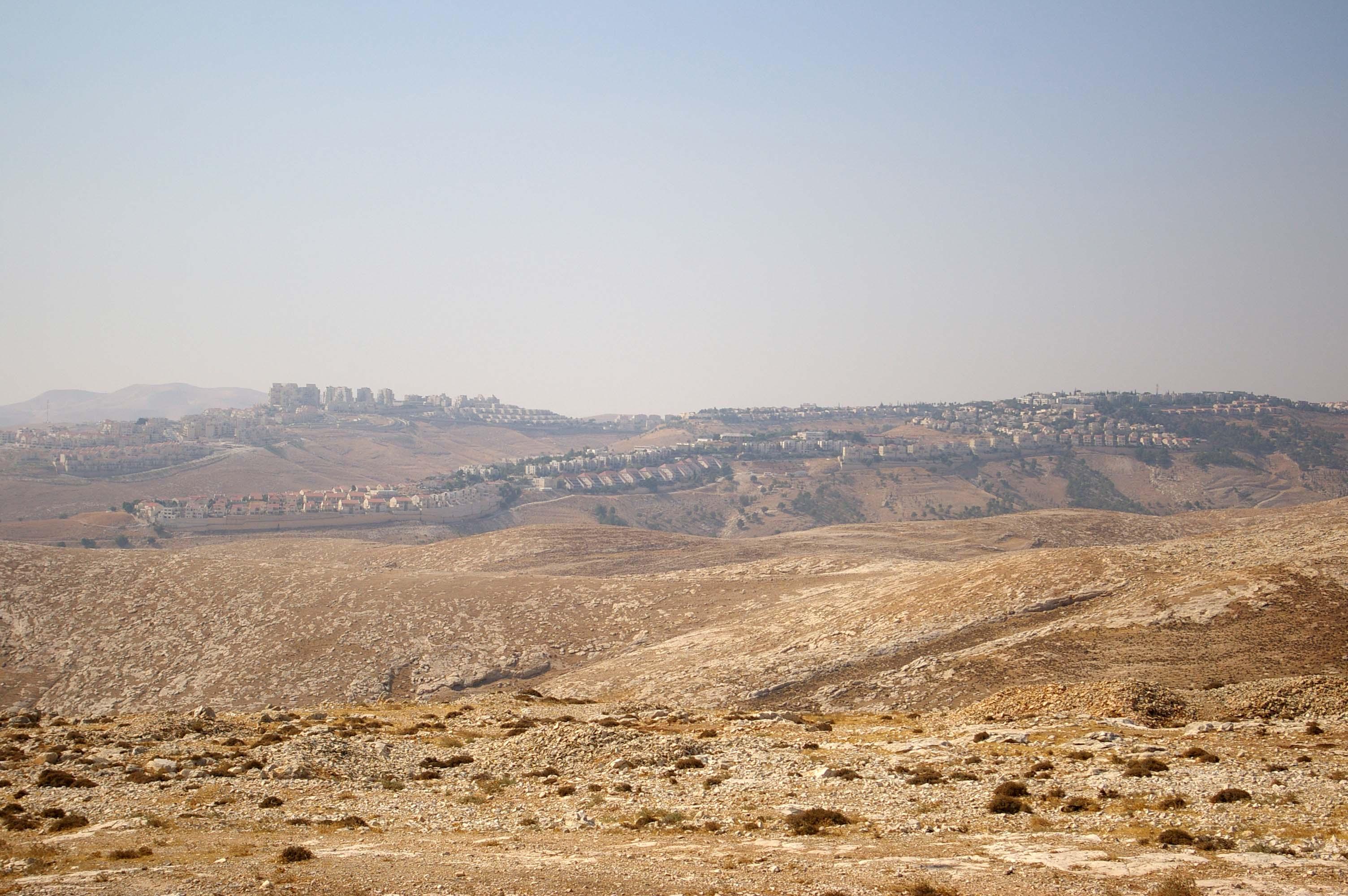 Ma'ale Adummim - photo by Leopold Lambert (4)