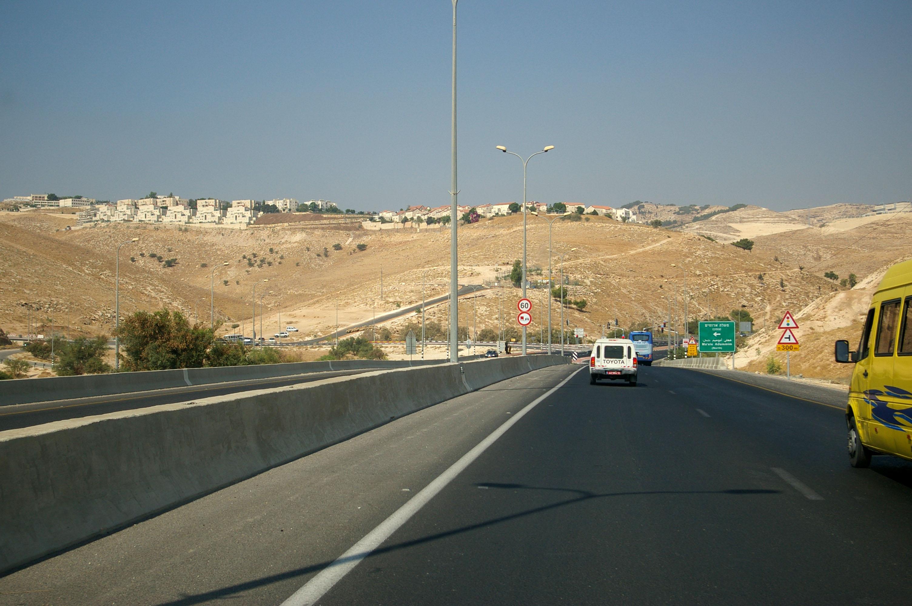 Ma'ale Adummim - photo by Leopold Lambert (5)