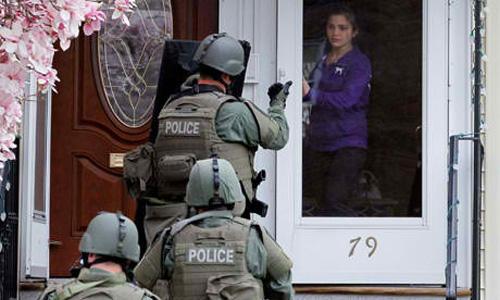 US-Paramilitary-police-sw-002